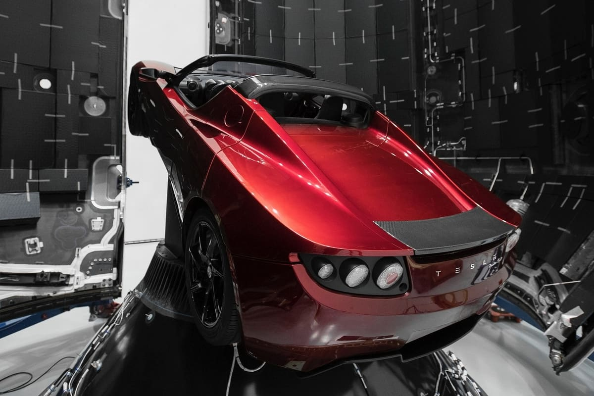 Red Tesla launched from the Kennedy Space Center in California