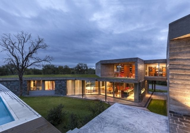 Contemporary Residence in Los Quebrachos