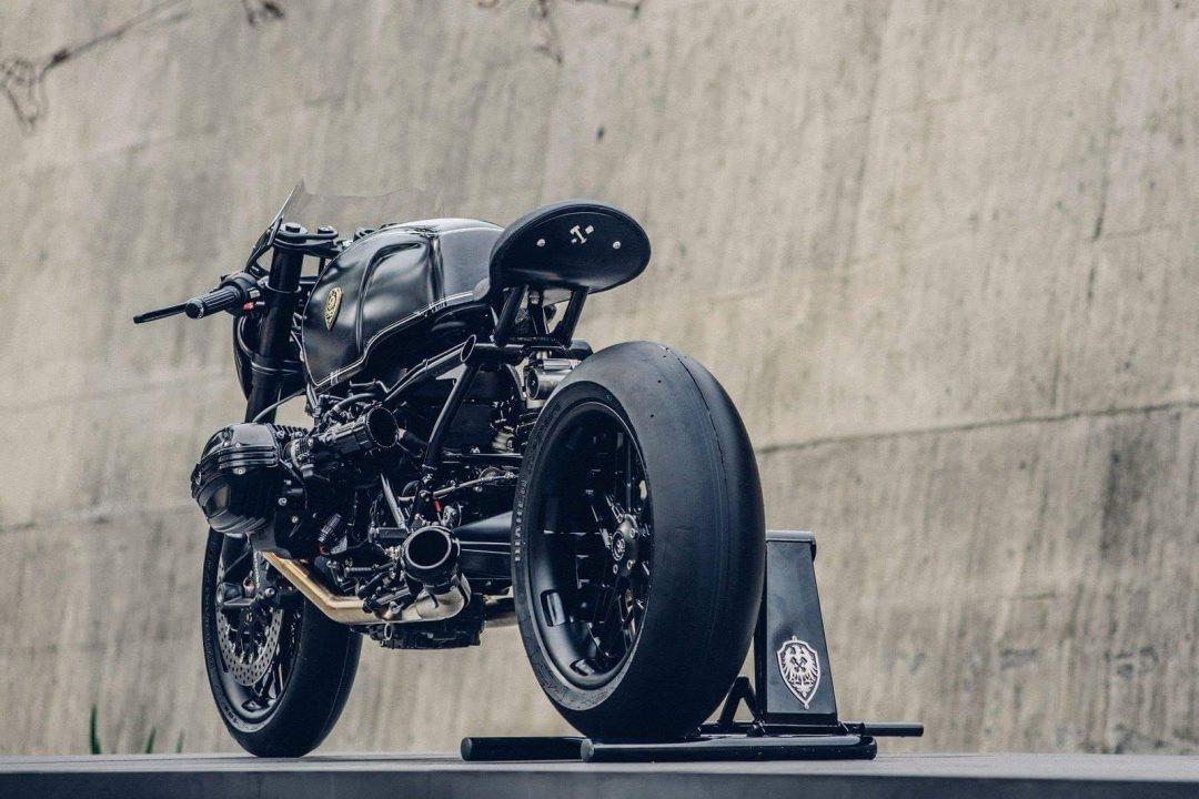 Bavarian Fistfighter Custom BMW R nineT